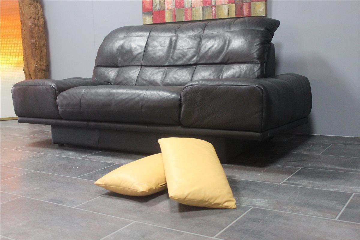 tolle gebrauchte sofas zeitgen ssisch die besten wohnideen. Black Bedroom Furniture Sets. Home Design Ideas